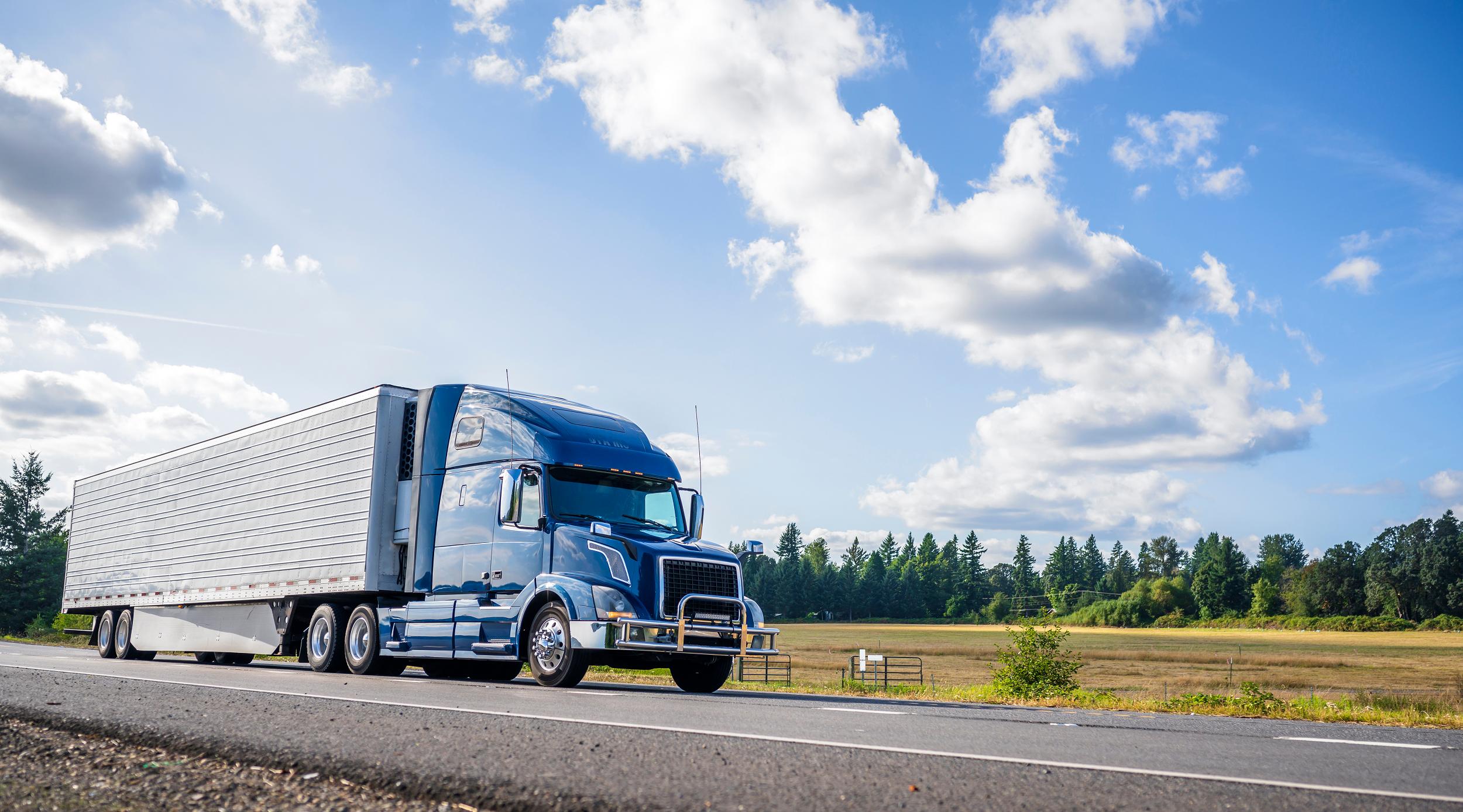 SCT alista licencia federal digital para transportistas